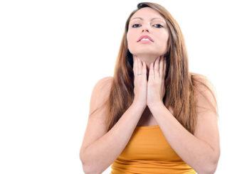 Ощупь лимфоузлов горла