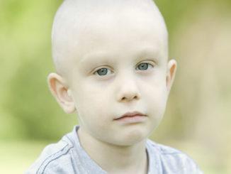 Взгляд больного раком ребенка